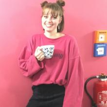 Female Professional, Ella, seeking flatmate in Clapham