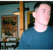 Male Professional, Connor, seeking flatmate in London