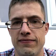 Male Professional, Jason, seeking flatmate in Southampton