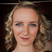 Female Professional, Gemma, seeking flatmate