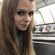 Female Professional, Zena, seeking flatmate in North London