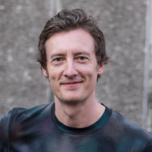 Male Professional, Andrew, seeking flatmate