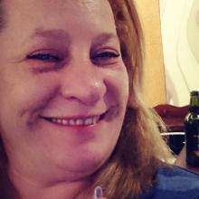 Female Freelancer/self employed, Paula, seeking flatmate