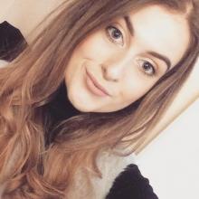 Female Professional, Jessica, seeking flatmate in London, United Kingdom