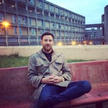 Professional, John, seeking flatmate in Liverpool