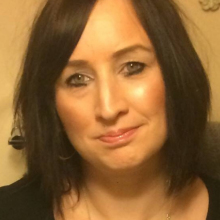 Female Professional, Julie king, seeking flatmate
