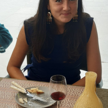 Professional, Aliette, seeking flatmate in London