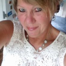 Female Professional, Jane, seeking flatmate
