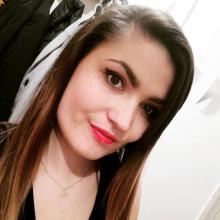 Student, Monika, seeking flatmate in London