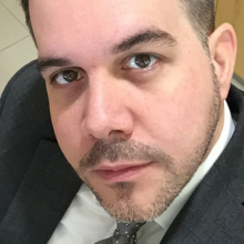 Male Professional, Renato, seeking flatmate