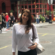 Female Professional, Bruna, seeking flatmate in North London
