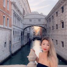 Female Professional, Leeanne, seeking flatmate in London
