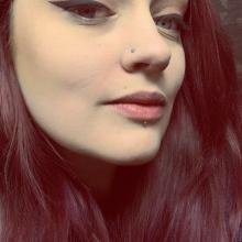Female Professional, Rachel, seeking flatmate in East London
