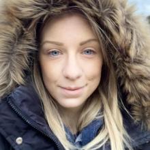 Female Professional, Georgie, seeking flatmate in London