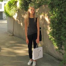 Female Student, Sonya, seeking flatmate in Central London, London, United Kingdom