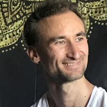 Male Professional, Julien-David, seeking flatmate in Hackney