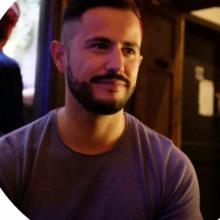 Male Professional, Marco, seeking flatmate