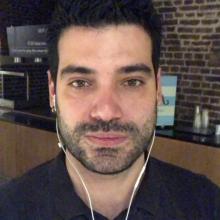 Professional, Rodrigo, seeking flatmate