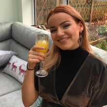 Professional, Lucy, seeking flatmate in City Centre Manchester