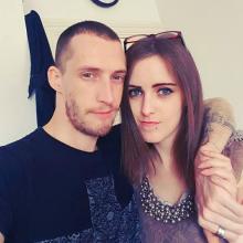 Couple seeking roomshare in London, United Kingdom