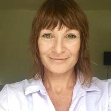 Female Professional seeking roomshare in London NW10, United Kingdom
