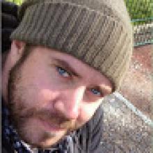Professional, Andy, seeking flatmate