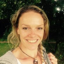 Female Professional, Sinead, seeking flatmate in London, United Kingdom
