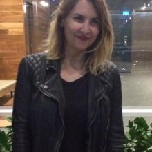 Female Professional, Sharna, seeking flatmate in London, United Kingdom