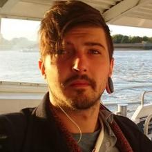 Male Professional, Marc, seeking flatmate in London, United Kingdom