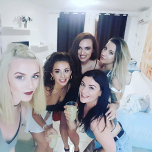 Female Professional seeking roomshare in London, United Kingdom
