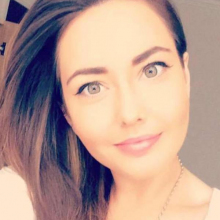 Female Professional, Karen, seeking flatmate in London, United Kingdom