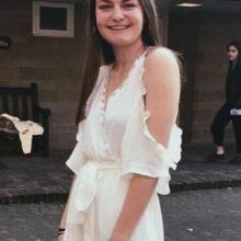Female Professional, Iona, seeking flatmate in London, United Kingdom