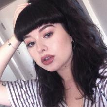 Female Student, Mel, seeking flatmate in London