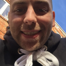 Male Professional, Richard, seeking flatmate in London, United Kingdom
