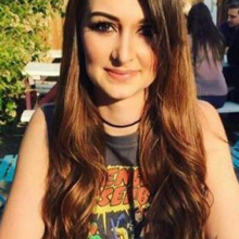 Female Professional, Amber , seeking flatmate in London, United Kingdom