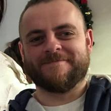 Male Professional, Andrew, seeking flatmate in Clapham