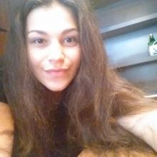 Female Student seeking roomshare in London, United Kingdom