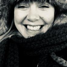 Female Professional, Jo, seeking flatmate in London