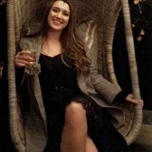 Female Professional, Jessica, seeking flatmate in London