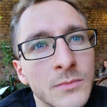 Male Professional, Chris, seeking flatmate in London
