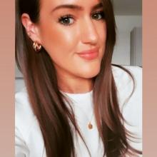 Female Professional, Cassie, seeking flatmate in London