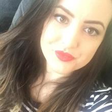 Female Professional, Carima_gomari, seeking flatmate in London, United Kingdom