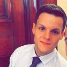 Male Professional, Ryan, seeking flatmate in Zone 1 Or 2 In London