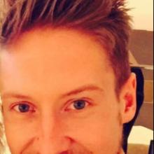 Male Professional, Richard, seeking flatmate in London
