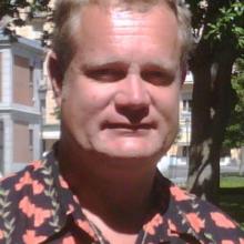 Male Professional, Alistair, seeking flatmate in London