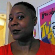 Female Professional, Maimuna, seeking flatmate in London