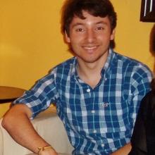 Male Professional, Andrew , seeking flatmate in London