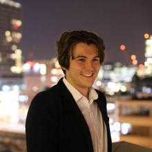Male Professional, Jake, seeking flatmate in London
