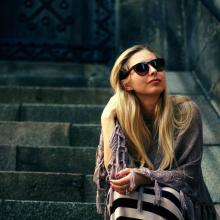 Female Professional, Kristina, seeking flatmate
