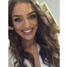 Female Professional, Zoemadden, seeking flatmate in London, United Kingdom
